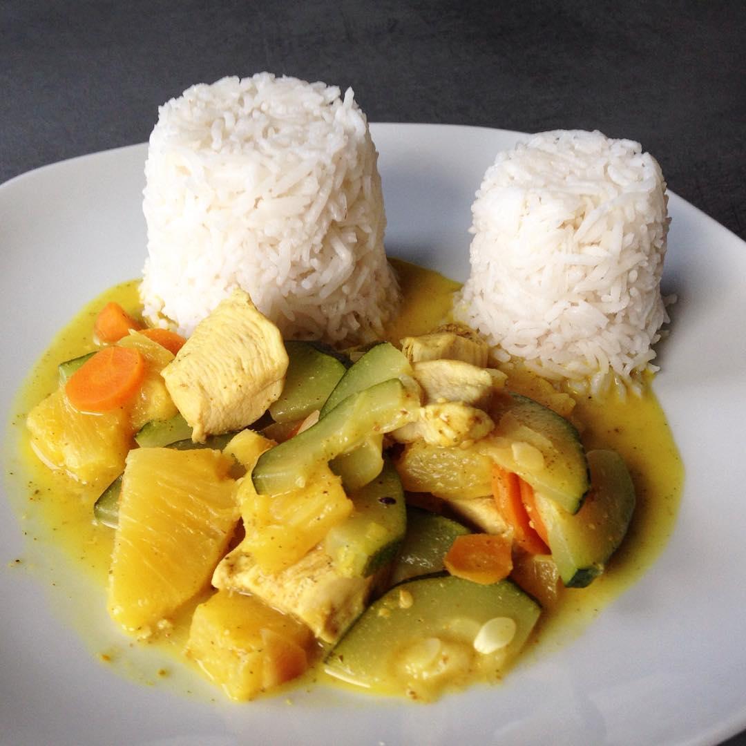 Hähnchen-Ananas Curry Foto
